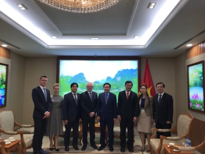 Univerzitné udalosti » Deputy Prime Minister of Vietnam supports UEBA's cooperation with Vietnamese universities