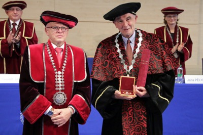 Univerzitné udalosti » The University of Economics in Bratislava awarded the honorary scientific degree Doctor Honoris Causa to Andreas Wörgötter